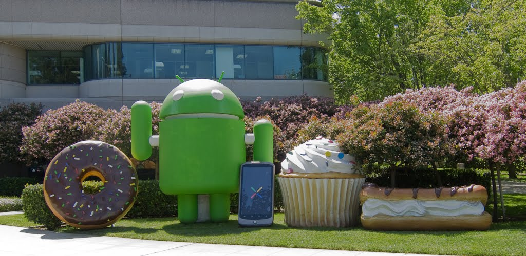 android-sculpture.jpg